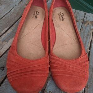 Clarks Bendables Burnt Orange Suede Flats Size 9.5